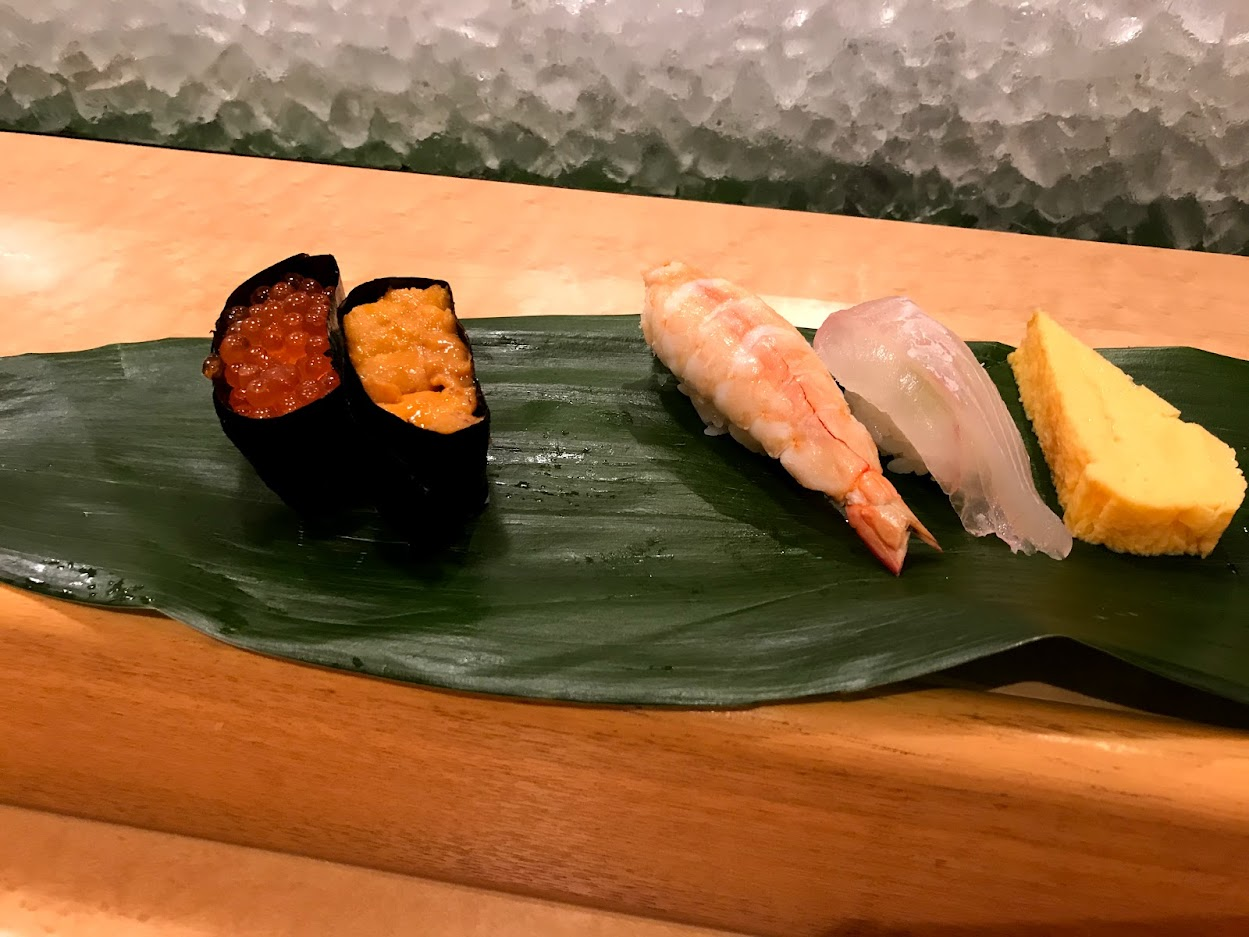 回らないお寿司
