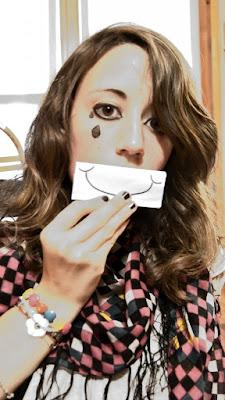 Happy or Sad? di PaolaFranco