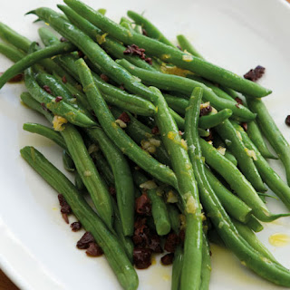 Green Beans with Olives and Garlic