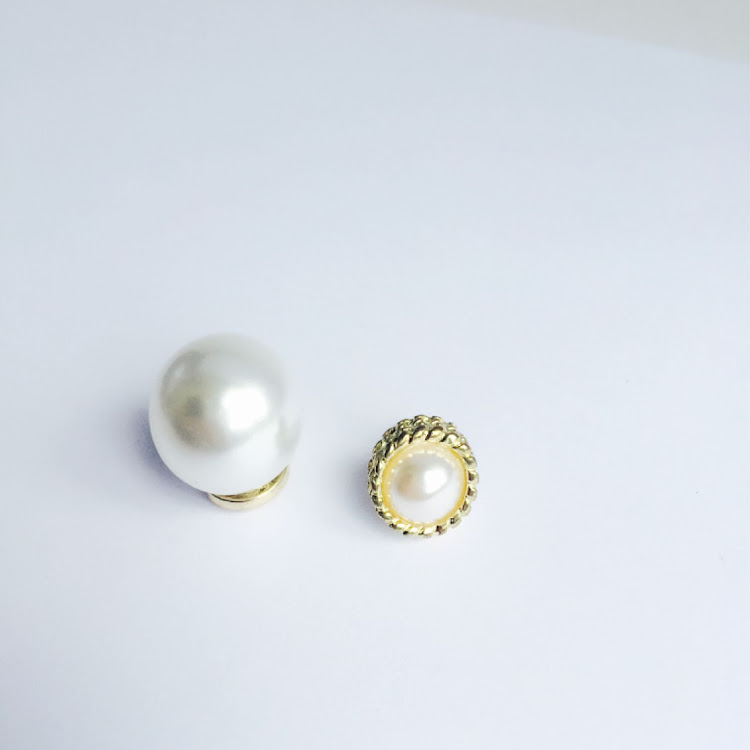 E023 - G. Double Jumbo Faux Pearl Earrings