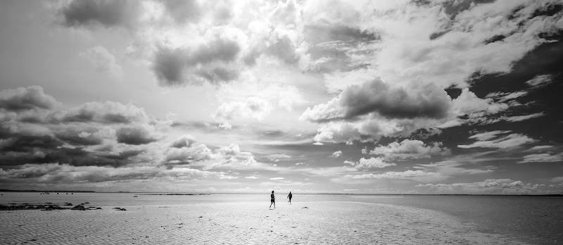 Due sulla sabbia di Luciano Tassone