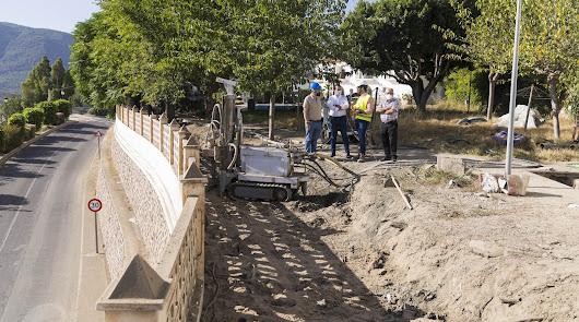 Una obra para proteger el acceso norte y la piscina de Canjáyar