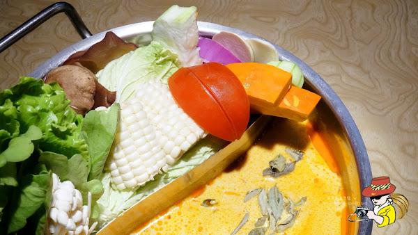 東區南洋風叻沙火鍋 東區商業午餐必吃 牛舌超多