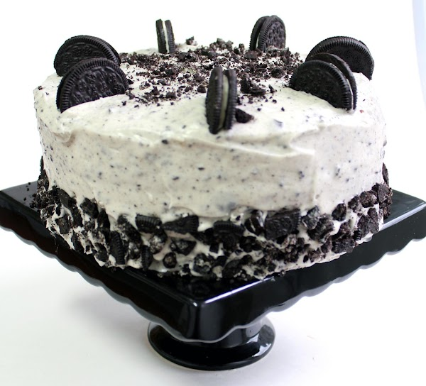 Decorate top with Oreo cookies if desired.