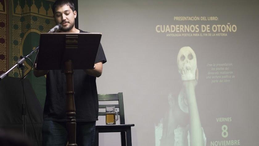 Adrián del Pino ha publicado recientemente su primera novela.