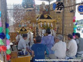 Photo: 【平成16年(2004) 宵々宮】 「御霊入れの儀」が始まる。