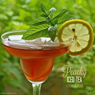 Peachy Iced Tea Cocktail