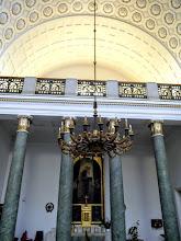Photo: A Szent Antal-oltár képét Unghváry Sándor, a Kis Szent Teréz-oltár képét Feszty Masa készítette.