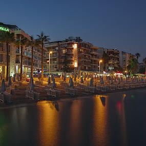 Večer v Marmaris by Miloš Stanko - Buildings & Architecture Office Buildings & Hotels ( voda, marmaris, večer, turecko, pláž, světla )