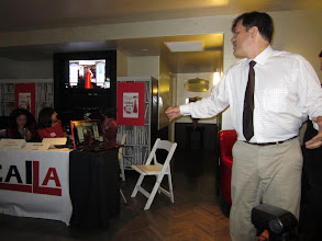 Photo: Head of Business Development, Tom Chamberlin, demonstrating Swivel for guests at DigitalLA