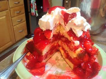 BISQUICK AMARETTO STRAWBERRY SHORT CAKE