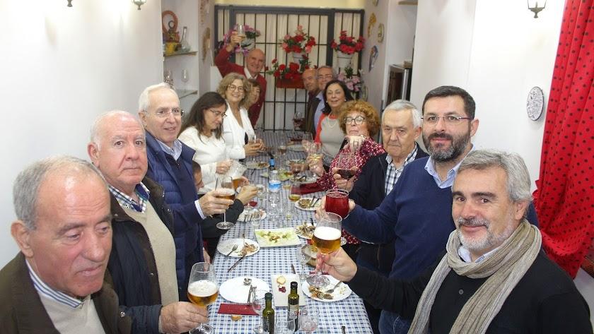 La junta directiva del Foro Almería Centro con su presidenta a la cabeza.