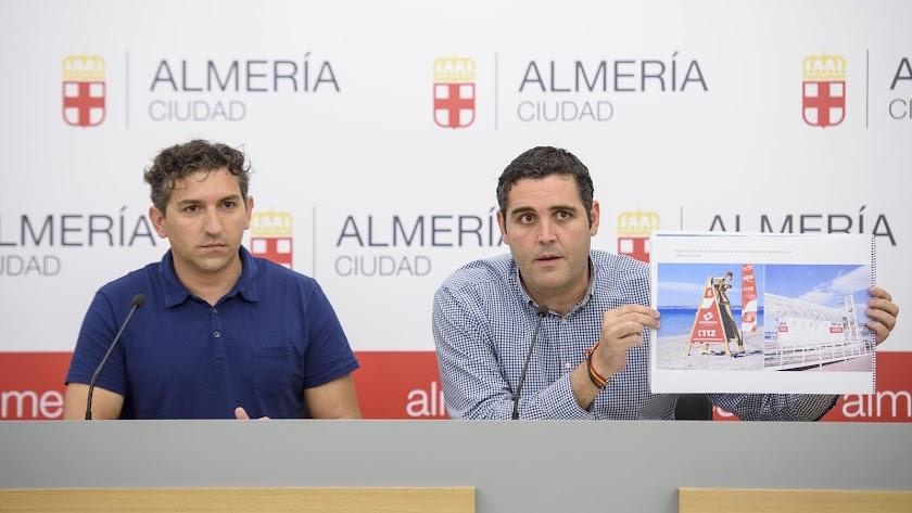 Óscar París y Juan José Alonso durante la presentación