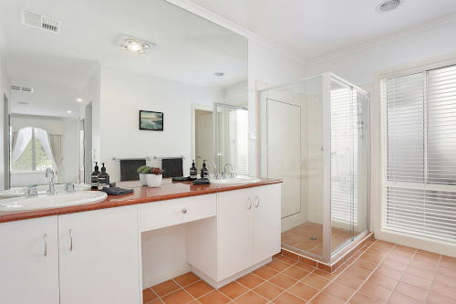 Photo of property at 8 Drysdale Court, Croydon Hills 3136