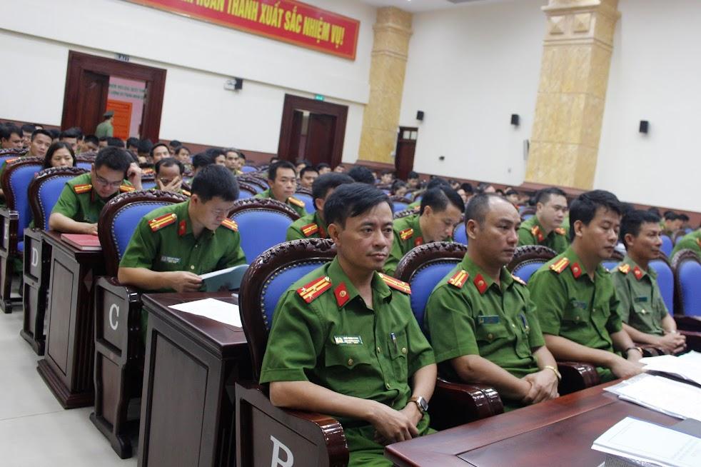 Các đại biểu, học viên tham dự Hội nghị