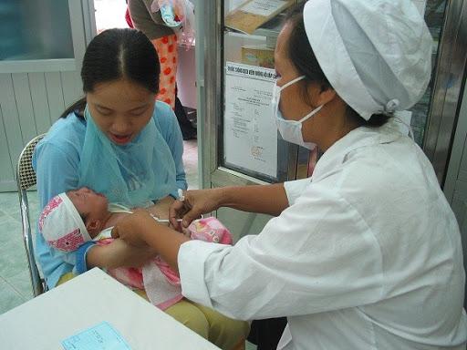 Tiêm chủng cho trẻ sinh non những điều cha mẹ cần biết