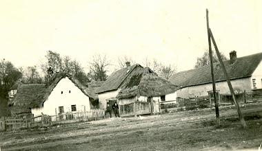 Photo: A faluházunk régen.