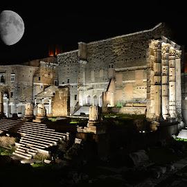 Moonlight by Juan Tomas Alvarez Minobis - Buildings & Architecture Public & Historical ( statues, architecture, museum, city park, moonlight, city, nightscape, monuments, rome, night shot, italy, city skyline, nightscapes,  )