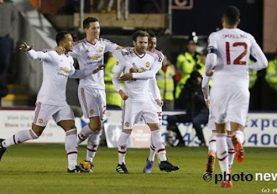 Manchester United kan het dan toch nog en wint ruim dankzij onder meer deze sublieme vrijschop van Juan Mata
