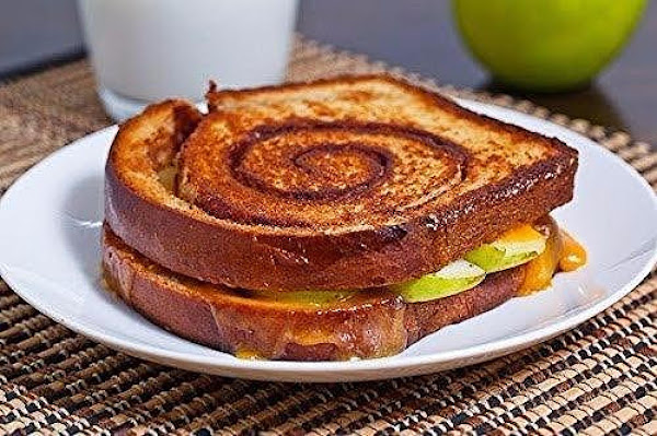 Apple Cinnamon Swirl Grilled Cheese Sandwich Recipe