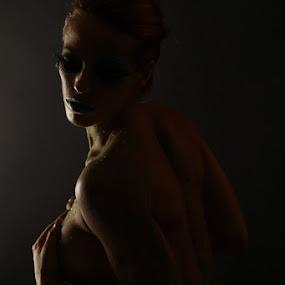 by AJ VILLAMAYOR - Nudes & Boudoir Artistic Nude