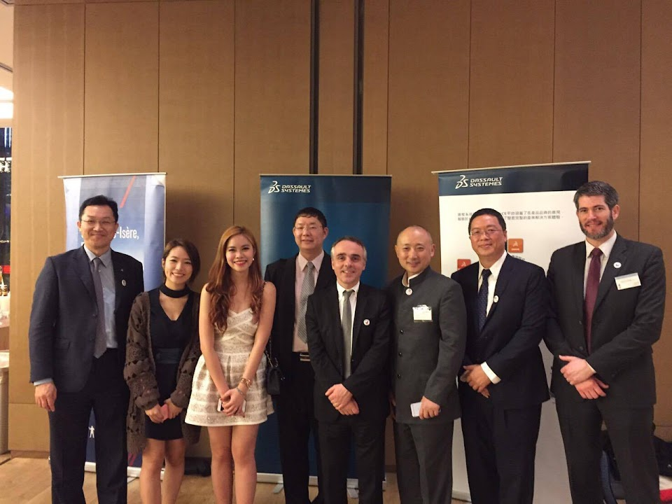 5th French Tech Night: group Photo with Dassault team (sponsor)