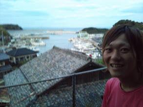 """Photo: でたー! 若きキャプテン! そーです! 今日は、一栄丸のお船を見学に参りましたー! その後、大船長 丸屋船長の御好意により 御自宅にて""""宴""""がスタート!"""