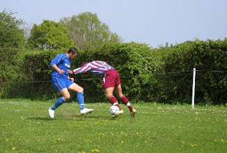 Photo: 21/04/07 v Chinor (Hellenic League Division 1E) 2-1 - contributed by Leon Gladwell