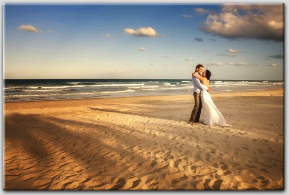 Fall In Love Couples Wallpapers Love Couple Wallpaper Beach Pictures Ideas Of Couple
