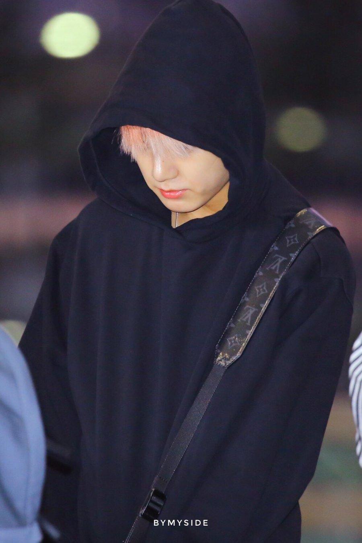 jungkook black bag 6