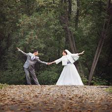 Wedding photographer Viktoriya Rendom-Savinkova (VickyRandom). Photo of 06.02.2014