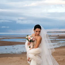 Wedding photographer Alevtina Ozolena (Ozolena). Photo of 04.11.2016