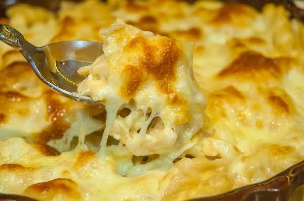 Comfort Food Essentials: Creamy Mac & Cheese Recipe