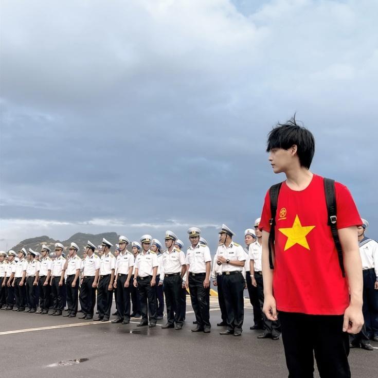 Nguyễn Trần Trung Quân sẽ hát phục vụ quân dân ở Trường Sa và Nhà dàn DK-1  | Văn hóa | Thanh Niên