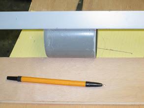 Photo: puis une corniére et un feutre