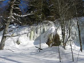 Photo: 24 Höllbachgspreng: Eiswände am Rand der Schlucht