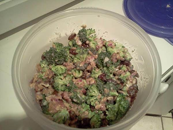 Broccoli Salad With Raisins & Sunflower Seeds