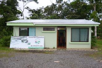 Photo: Das JAZON-Büro und mein Wohnhaus. Das linke Fenster gehört zu meinem Zimmer.