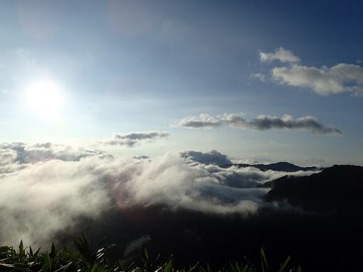 遠くの山も見え始める