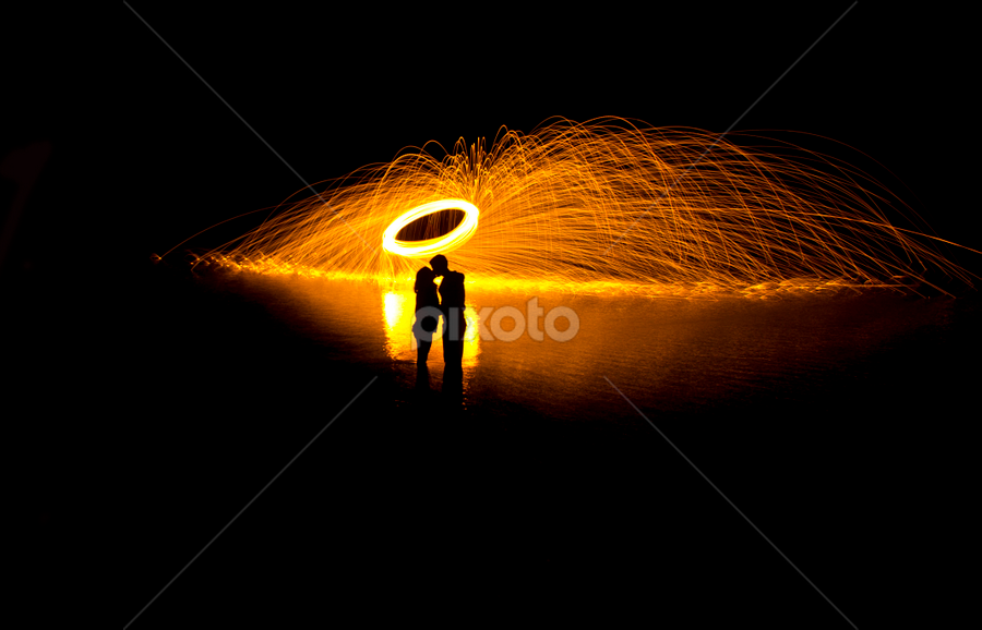 Eliptical Lovers by Shane Vandenberg - Abstract Light Painting