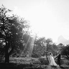 Wedding photographer Sergey Petkoglo (clicklovemd). Photo of 13.11.2017