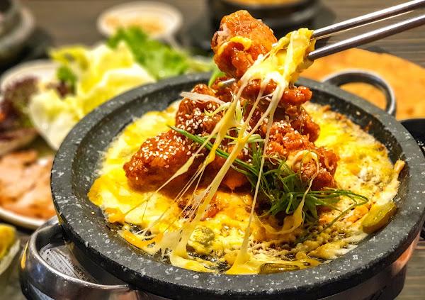 玉豆腐韓國家庭料理 家樂福愛河店-不只有豆腐煲,韓式炸雞搭配熔岩起司也是罪惡十足   三民區、韓式料理