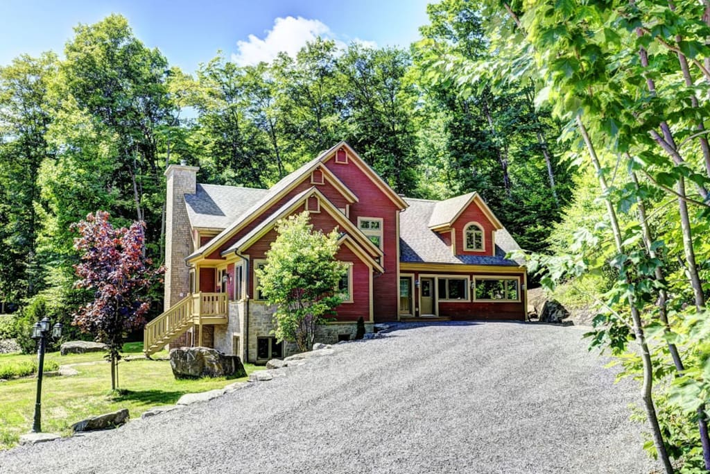 Cottages for rent with 5 bedrooms in Quebec #7