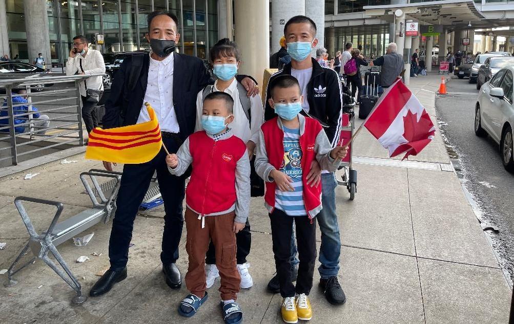 C:\Users\Nam Loc\Documents\Thuyet Canada 32.jpg