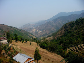 Photo: Views down the valley from Pati Bhanjyang (1770m)