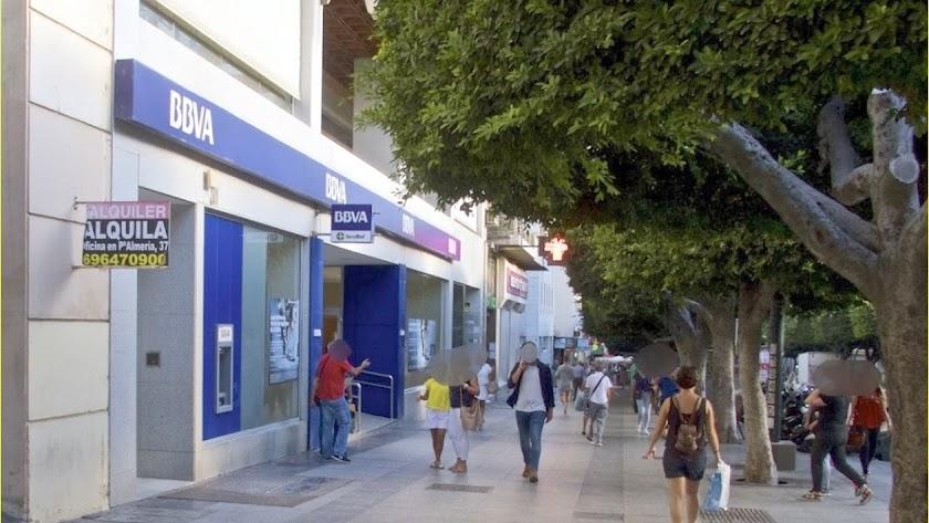 Las oficinas de BBVA en Almería perderían 24 empleados.