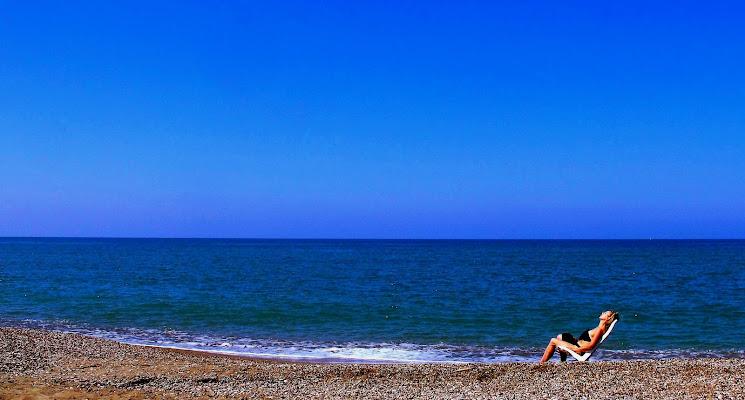 Solstizio d'estate 2018: e tu sola e ferma stai al primo sole. di Francesco Abate