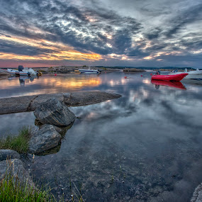 Sky and water by Bent Velling - Landscapes Waterscapes ( water, clouds, orange, reflection, ef 17-40l, boats, norway, canon 6d, sky, benro, red, blue, dusa, sarpsborg )