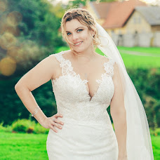 Wedding photographer Sladjana Karvounis (sladjanakarvoun). Photo of 10.10.2017