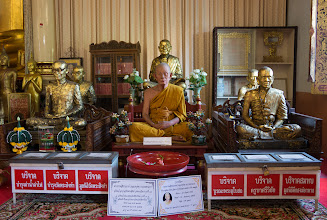 Photo: To one side of the shrine are statues of famous (historical) monks